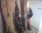 Người đàn ông Hàn Quốc bị giật túi sách giữa trung tâm thành phố