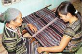 Công nhận nghề dệt thổ cẩm của người H rê là Di sản Văn hóa phi vật thể quốc gia