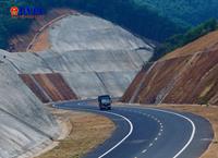 Cận cảnh tuyến cao tốc xuyên vườn Quốc gia Bạch Mã