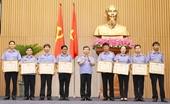 Viện trưởng VKSND tối cao khen thưởng các tập thể, cá nhân trong ngành KSND