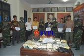 Bắt giữ 6 đối tượng người Lào cùng số lượng ma túy cực khủng và nhiều súng đạn