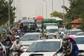 Phí đăng ký ô tô ở TP HCM tăng vọt