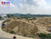 """""""Núi cát"""" mọc bên quốc lộ 1A UBND TP Quảng Ngãi đang rà soát kiểm tra để xử lý"""