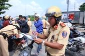 Nhiều người đi ngược chiều vẫn cãi lý với Cảnh sát giao thông