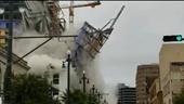 Cận cảnh tòa nhà 18 tầng bất ngờ đổ sập xuống đường