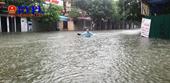 Người dân Nghệ An khốn đốn vì ngập lụt, 5 người thương vong do sét đánh