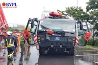 Xe chữa cháy khủng với giá triệu USD tham gia diễn tập PCCC tại Đà Nẵng