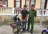 Bị bắt quả tang trộm điện thoại, lộ thêm vụ trộm xe máy