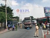 Kiểm sát hiện trường vụ xe container kéo lê xe máy, 2 người chết bé gái bị thương