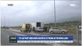 Phát hiện 40 người di cư trong xe tải đông lạnh