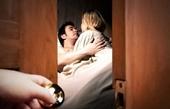 Bạn gái ngủ với người lạ, thanh niên vác dao đâm tử vong tình địch