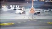 Máy bay Ukraine bất ngờ bốc cháy khi hạ cánh ở Ai Cập