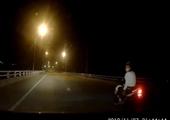 Công an Hải Phòng tìm ra đối tượng cầm kiếm, đi xe máy chèn ép xe ô tô ở huyện Vĩnh Bảo