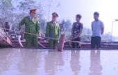 Bắt tàu hút cát trái phép trên sông Chu