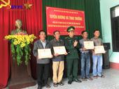 Tuyên dương 4 người nhặt được ma túy ở bờ biển Thừa Thiên Huế