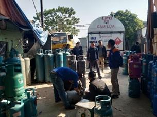 Triệt phá xưởng sang chiết gas lậu giả thương hiệu lớn tại Hải Phòng