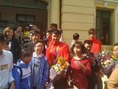 Vừa về đến Hải Phòng, thủ môn Nguyễn Văn Toản được thưởng nóng