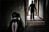 Bé gái 8 tuổi nghi bị cha đẻ xâm hại tình dục nhiều lần