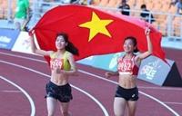 Trao thưởng cho các VĐV điền kinh đạt thành tích cao tại SEA Games 30