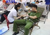 """1 000 đoàn viên thanh niên tham gia Ngày hội hiến máu """"Chủ nhật đỏ"""""""