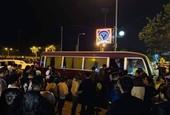 Tạm giữ 40 nam, nữ thanh niên nghi sử dụng ma túy tại quán karaoke