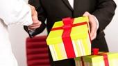 Hà Nội nghiêm cấm việc biếu, tặng quà Tết cho lãnh đạo cấp trên