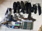 Bắt giữ nhiều đối tượng mua bán, tàng trữ ma túy, súng, hung khí