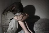 Bé gái 15 tuổi làm giả giấy có thai để níu kéo tình cảm
