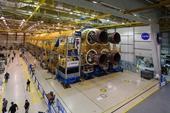 """NASA hoàn thành tên lửa """"khủng"""" 8 tỉ USD cho kế hoạch trở lại Mặt trăng"""