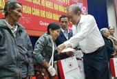 Phó Thủ tướng Trương Hòa Bình trao quà Tết tại Quảng Nam