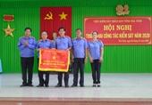 """VKSND tỉnh Trà Vinh đón nhận Cờ """"đơn vị xuất sắc phong trào thi đua"""""""