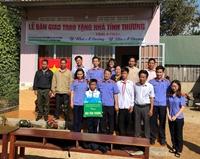 VKSND TP Buôn Ma Thuột tặng nhà tình nghĩa 2 học sinh nghèo
