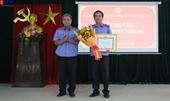 Trao Huy hiệu 30 năm tuổi Đảng cho Phó Viện trưởng VKSND cấp cao tại Đà Nẵng