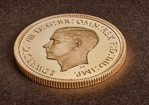 Đồng xu 125 tuổi in hình Vua Edward VIII cực hiếm được bán với giá kỉ lục hơn 28 tỉ đồng