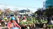 Chợ chuối vùng biên lớn nhất miền Trung nhộn nhịp ngày cận Tết