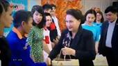 Chủ tịch Quốc hội Nguyễn Thị Kim Ngân thăm, chúc Tết công nhân, người lao động