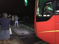 3 thanh niên đi xe máy tử vong tối 29 Tết, sau cú va chạm kinh hoàng với ô tô