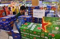 Mặt hàng rượu bia ít người mua, giá rửa xe tăng đột biến