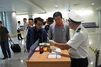 Hôm nay áp dụng tờ khai y tế với tất cả khách đến từ Trung Quốc