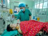 3h nghẹt thở cứu sống thanh niên bị dao đâm 2 nhát thấu ngực bụng