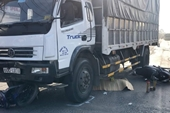 Xe tải tông liên hoàn 3 xe máy trên QL 51, 3 người thương vong
