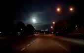 Quả cầu lửa bí ẩn rơi xuống Malaysia lúc nửa đêm