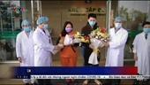Vỡ òa 2 bệnh nhân nhiễm Covid-19 xuất viện sau khi khỏi bệnh