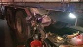 Tông vào đuôi xe tải, một người đàn ông tử vong