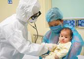 Bé gái 3 tháng tuổi nhiễm Covid-19 đã được ra viện
