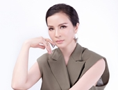 MC Thanh Mai khoe nhan sắc không tuổi với trang phục menswears cá tính