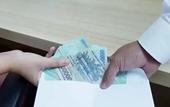 Nữ thẩm phán và thư ký TAND ở Hà Nội nhận hối lộ bằng  chuyển khoản