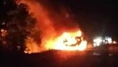 Xe bồn chở 12 000 lít xăng bất ngờ bốc cháy dữ dội