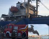 Đang sửa chữa, tàu chở hàng ở Hải Phòng phát nổ