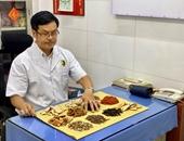 Lương y Trần Sưởng Lâm với Phương pháp điều trị đau lưng bằng bó thuốc đông y
